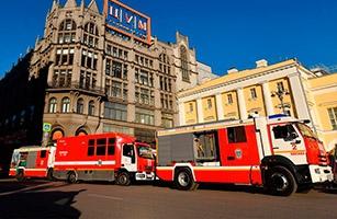 Возгорание в ЦУМе тушили 60 человек и 19 единиц техники